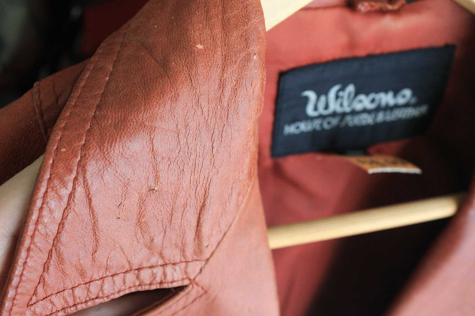 How to clean the exterior of a leather jacket
