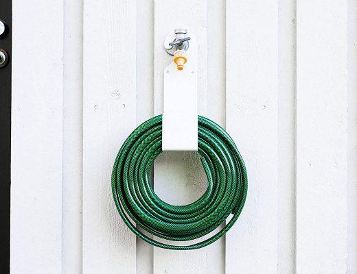 Garden hose hanger