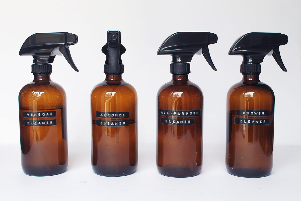 Using glass spray bottles for cleaning - glass vs. plastic pros and cons