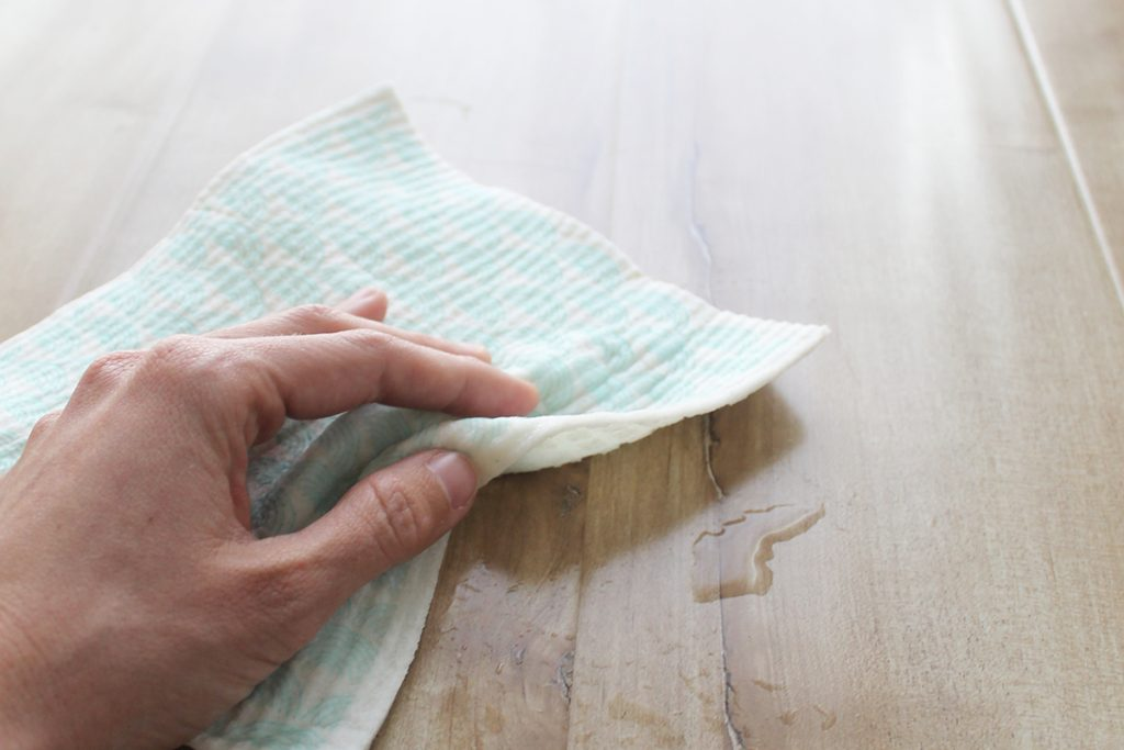 How to use a cellulose sponge